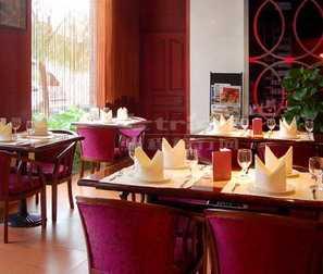 西餐厅音乐_图兰朵音乐咖啡西餐厅_西餐厅沙发