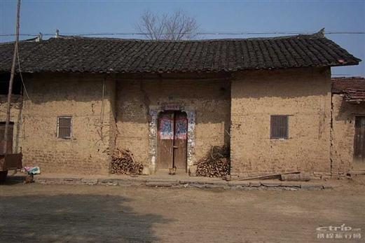 在湖北的农村,这样的老房子越来越少了