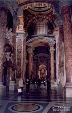 圣彼得大教堂内