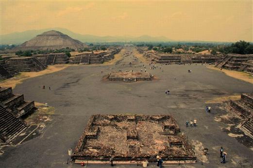墨西哥城及阿兹特克太阳金字塔