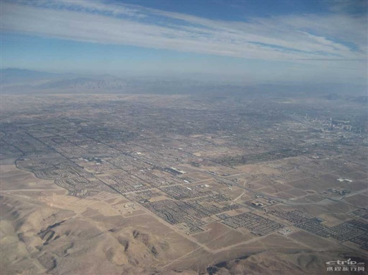 从飞机上俯瞰拉斯维加斯