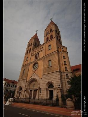 教堂彩色玻璃欧式拱形窗