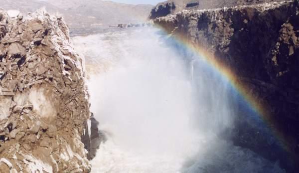 壁纸 风景 旅游 瀑布 山水 桌面 600_347
