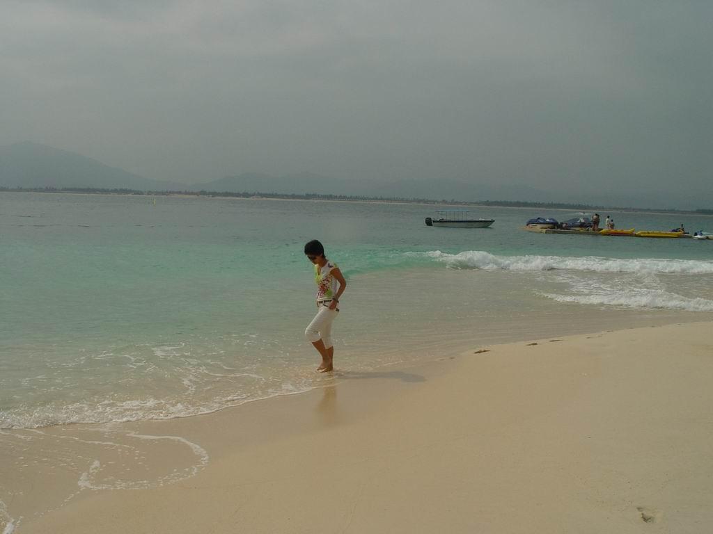 三亚旅游穿衣打扮图片一月