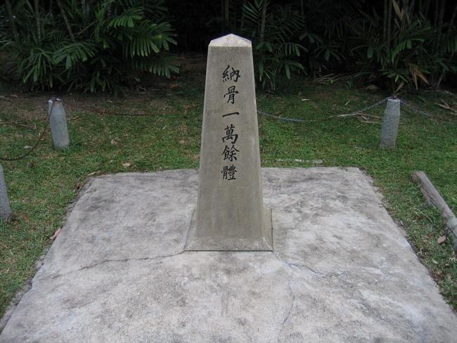 在坟墓前立碑好不好
