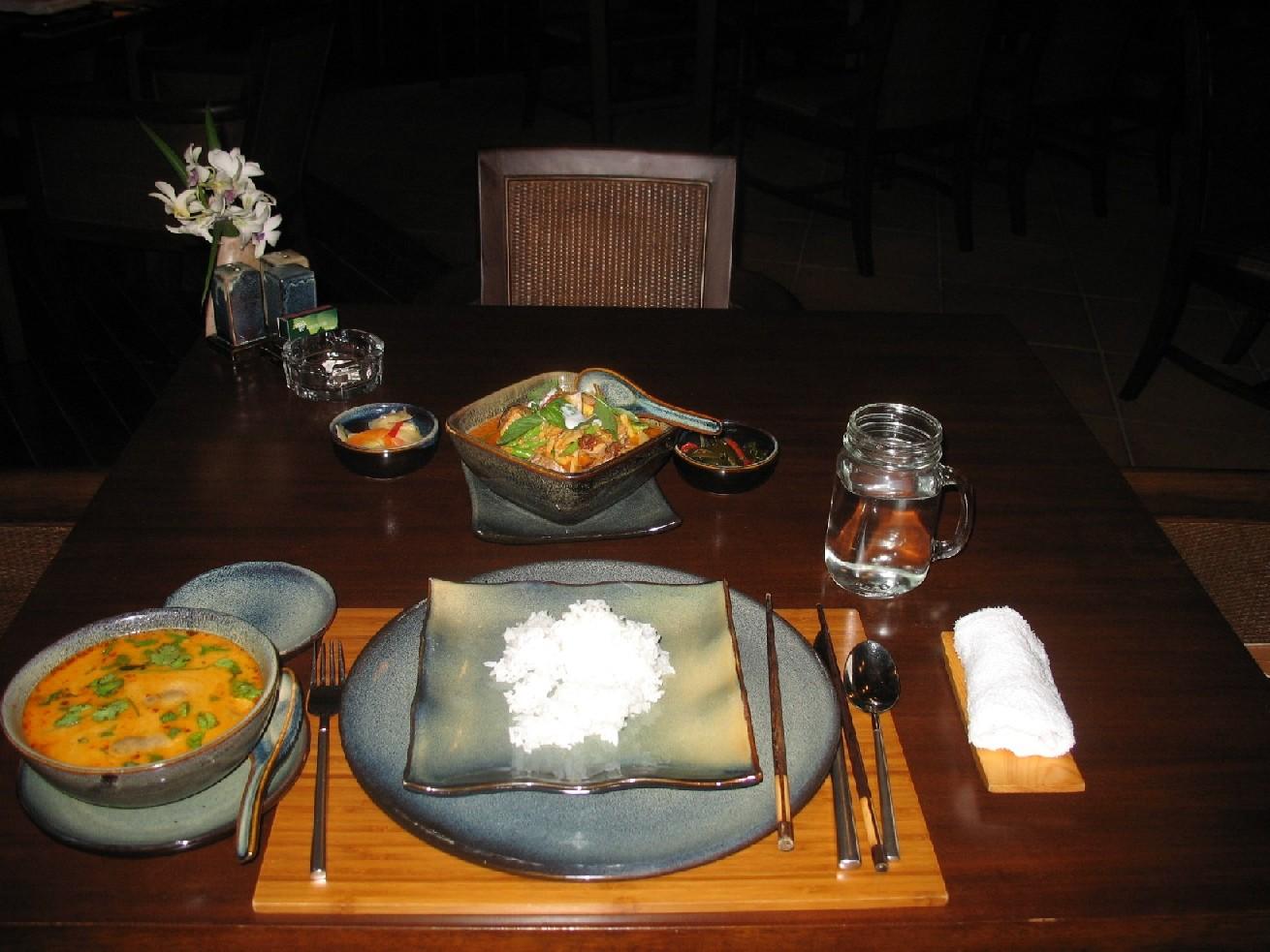 (丰盛的泰国菜---红树林泰餐厅)