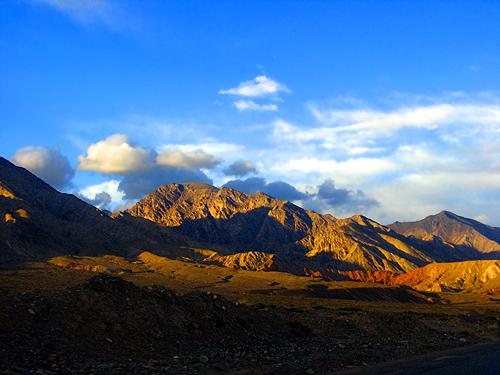 新疆自治区 乌恰县地标 斯姆哈纳村(中国最后一缕阳光) - 西部落叶 - 《西部落叶》·  余文博客