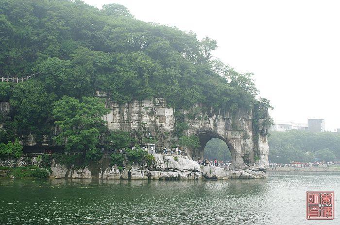 桂林半天然木雕老子图片