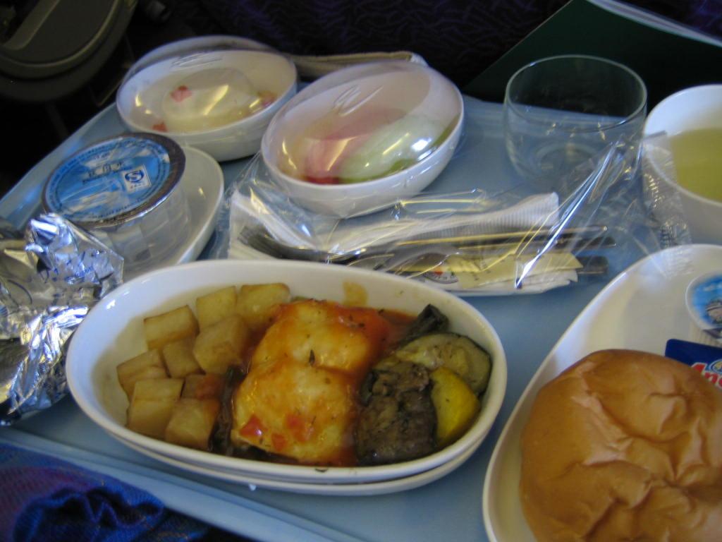 (最后来张新航飞机餐,味道尚可)