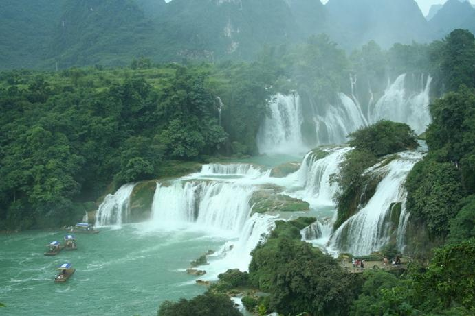 崇左旅游攻略 攻略:德天瀑布,通灵大峡谷二日游  还好接下来一顿丰盛