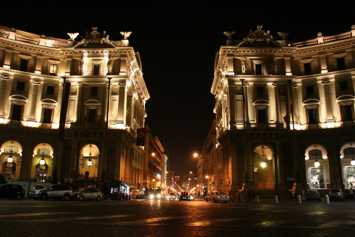 巴黎街头夜景素材