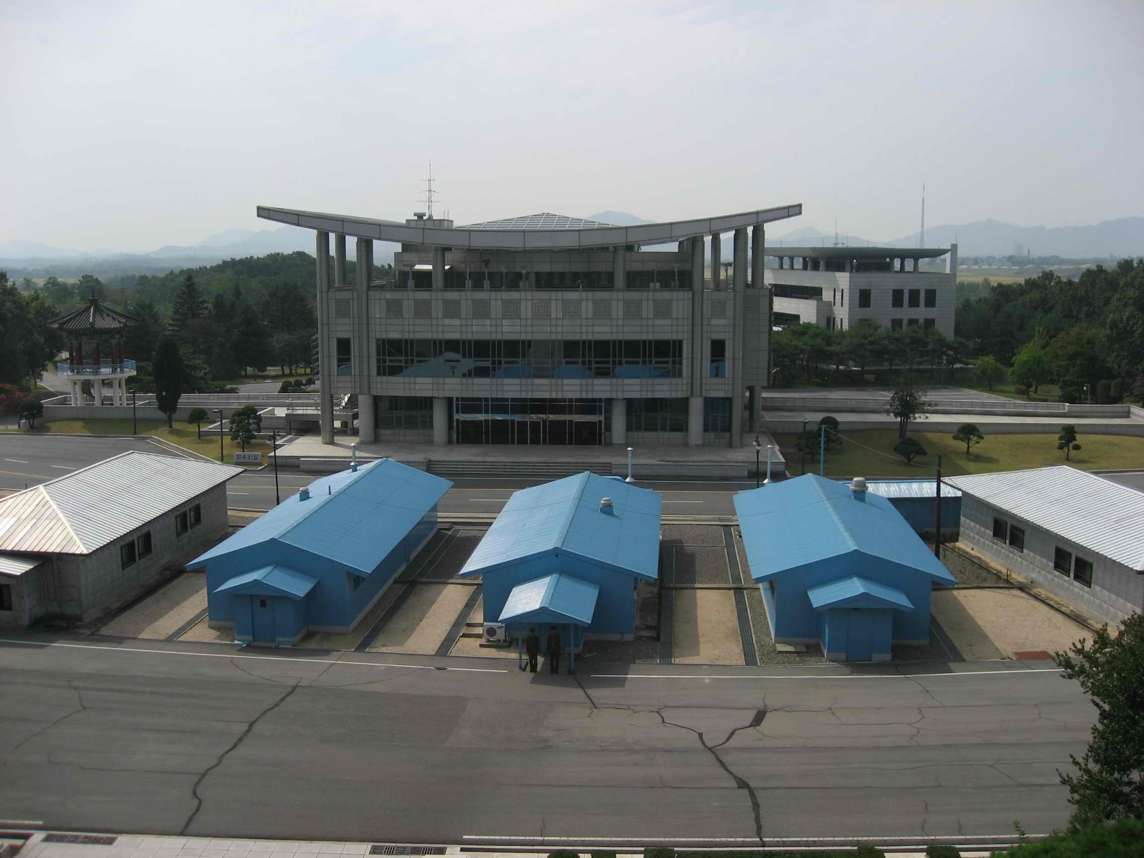 朝鲜景点几乎看不见垃圾桶