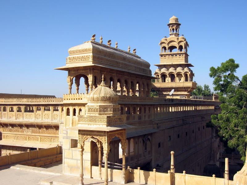 这座塔是贾沙梅尔城堡外最高的建筑