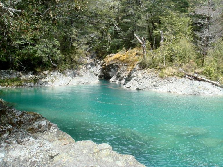梦见湍急清澈的河水
