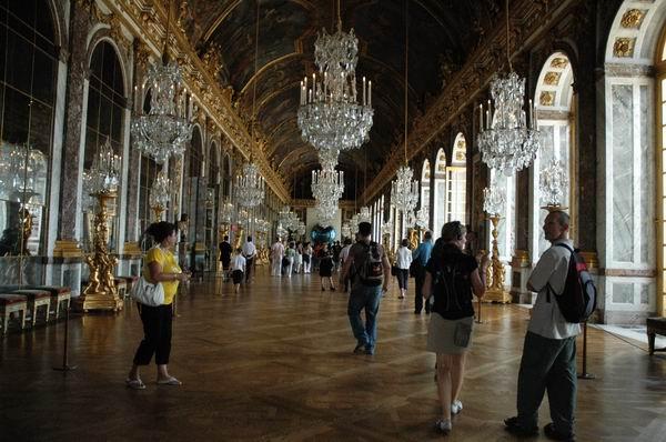 北京 凡尔赛宫/(签订巴黎和会协议也即凡尔赛条约的镜厅)