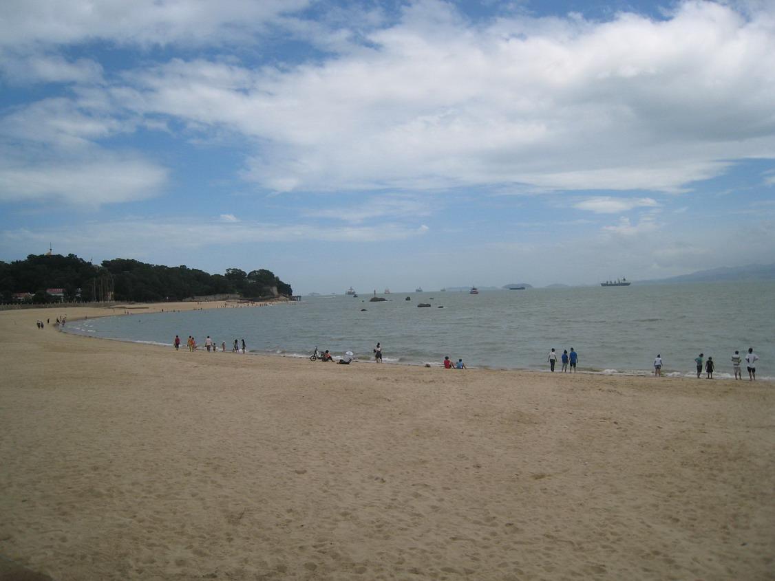 宁波北仑区海边沙滩