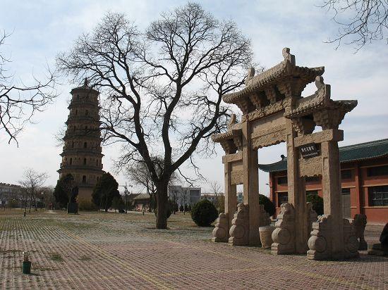 掠过东甘肃,平凉之宝塔,柳湖及其他